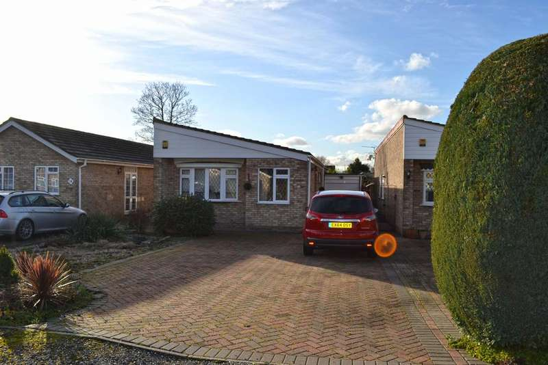 2 Bedrooms Detached Bungalow for sale in Great Meadow, Broxbourne EN10