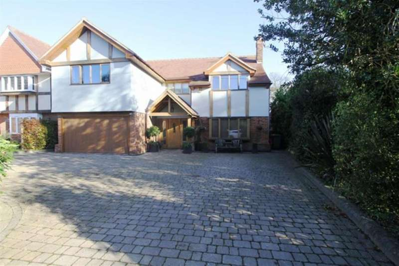 5 Bedrooms Detached House for sale in Deerbank Road, Billericay, Essex, CM11 1BB