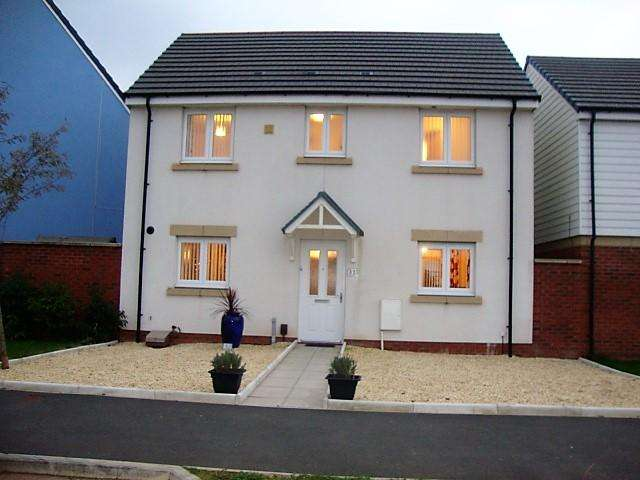 3 Bedrooms Detached House for sale in Glan Llyn, Llanwern, Newport np19