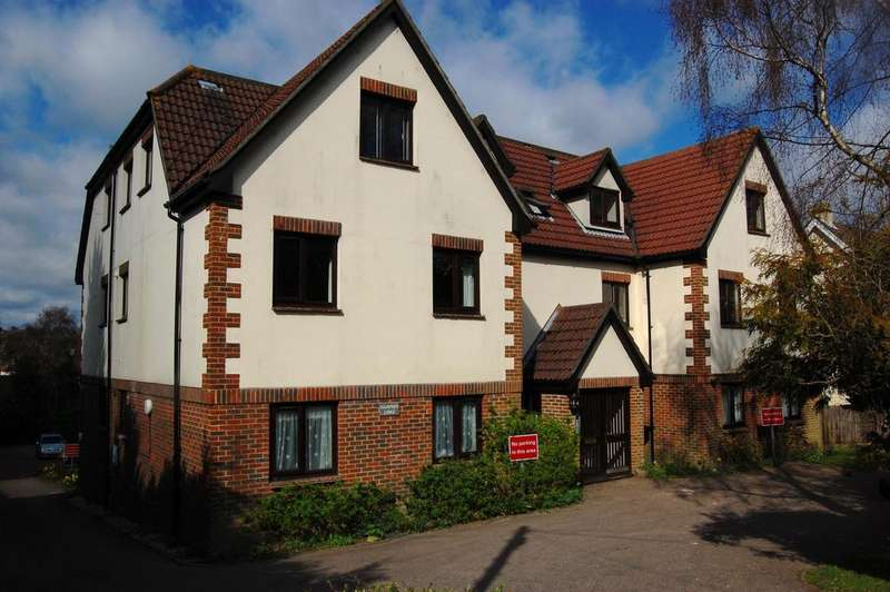 2 Bedrooms Flat for sale in Hampden Lodge, Hailsham Road, Heathfield TN21