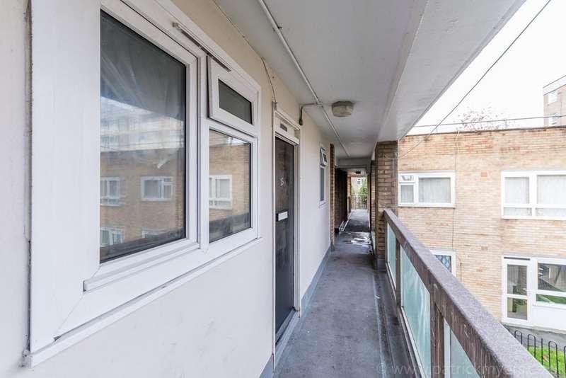1 Bedroom Flat for sale in Lilford Road, London, London, SE5
