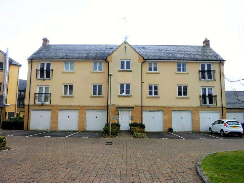 2 Bedrooms Flat for sale in Bluebell Way, Carterton, Oxon