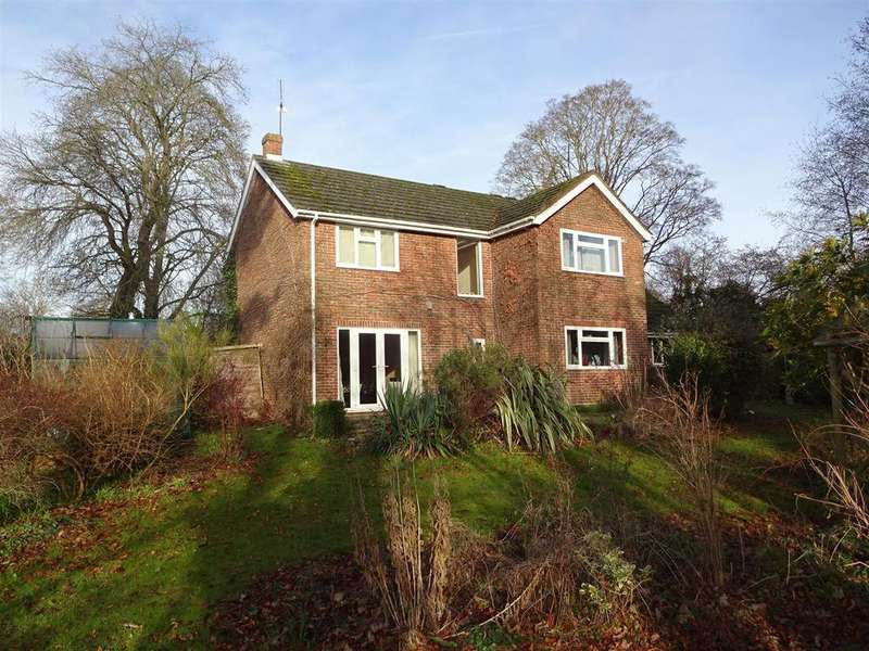 4 Bedrooms House for sale in Newtown Close, Andover