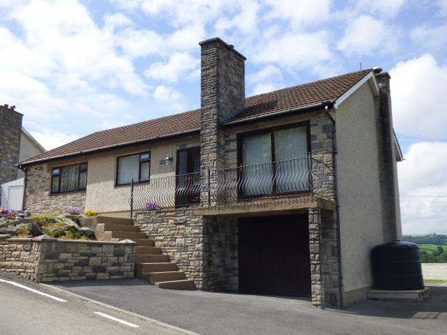 3 Bedrooms Bungalow for sale in Alltycnap Road, Johnstown, Carmarthen