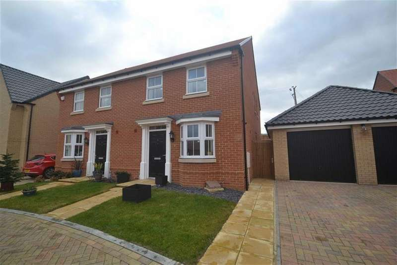 3 Bedrooms Semi Detached House for sale in Willow Walk, Southminster, Essex