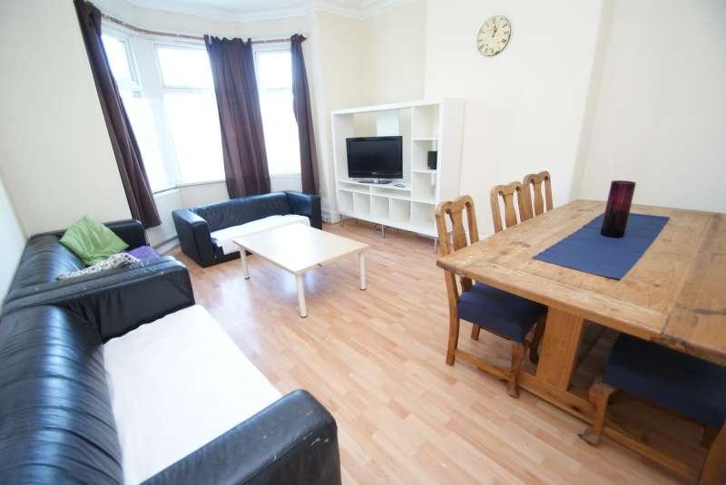 6 Bedrooms Terraced House for rent in Haddon Road, Burley, Leeds
