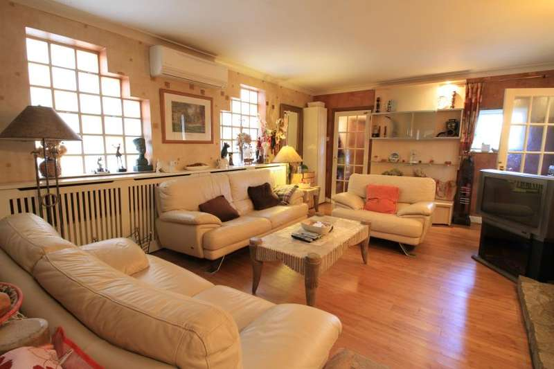 4 Bedrooms House for sale in Hood Road SW20