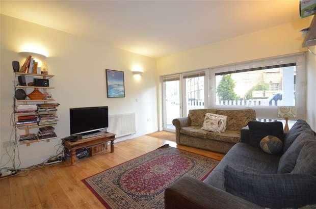3 Bedrooms Flat for sale in Martello Street, Hackney, E8