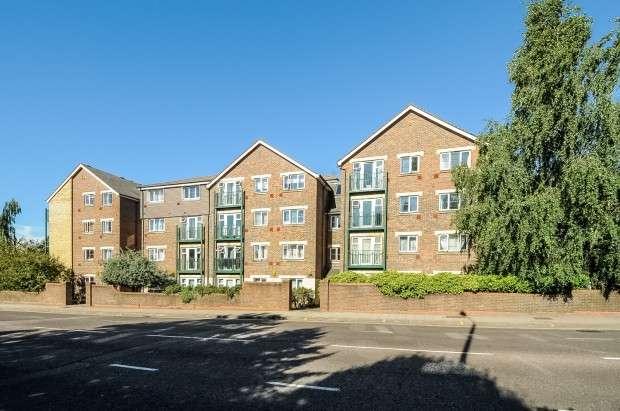 2 Bedrooms Apartment Flat for sale in Kensington Heights, Sheepcote Road, Harrow, HA1