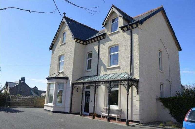 6 Bedrooms Detached House for sale in Sandcroft, Pier Road, Pier Road, Tywyn, Gwynedd, LL36