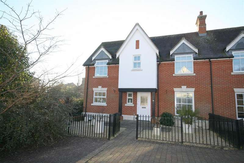 4 Bedrooms Semi Detached House for sale in Fawn Rise, Henfield