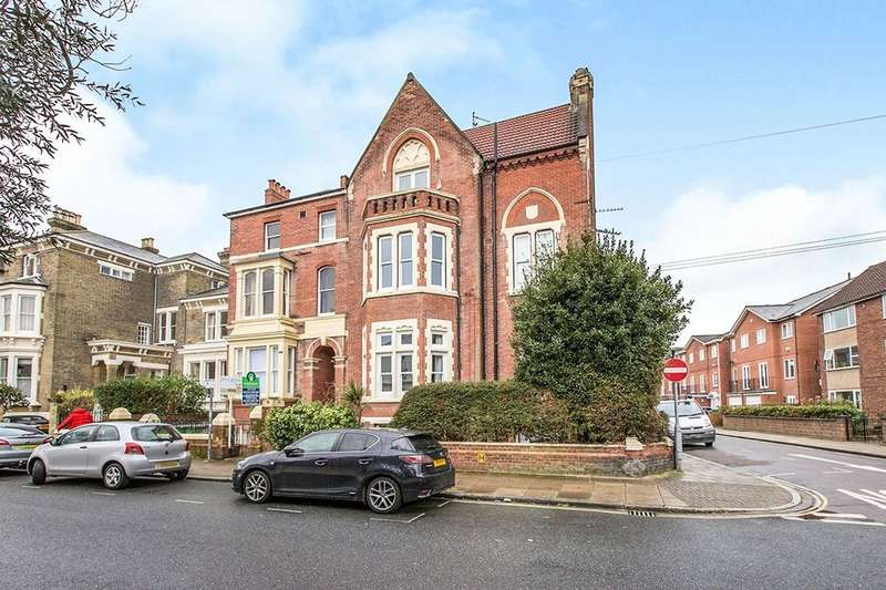 3 Bedrooms Flat for sale in Kent Road, Southsea, PO5