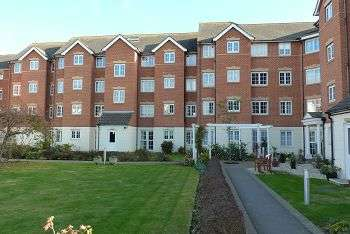 1 Bedroom Flat for sale in Holmbush Court, Queens Crescent, Southsea, Portsmouth, PO5 3HY