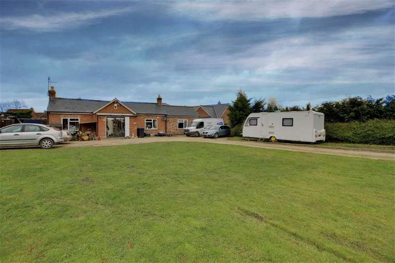 5 Bedrooms Detached Bungalow for sale in Gloucester Road, Corse, Gloucestershire