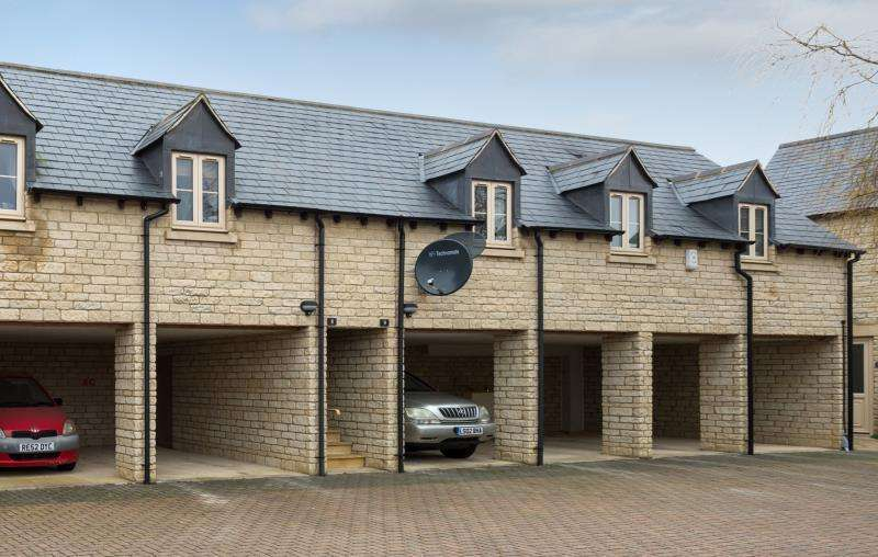 1 Bedroom Apartment Flat for sale in Sansoms Court, Shipton Road, Woodstock, Oxfordshire