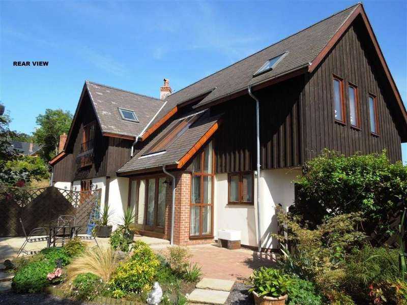 4 Bedrooms Detached House for sale in Nant Y Derw, Tregynon, Welshpool, Powys Wales, Tregynon, SY16 3EH