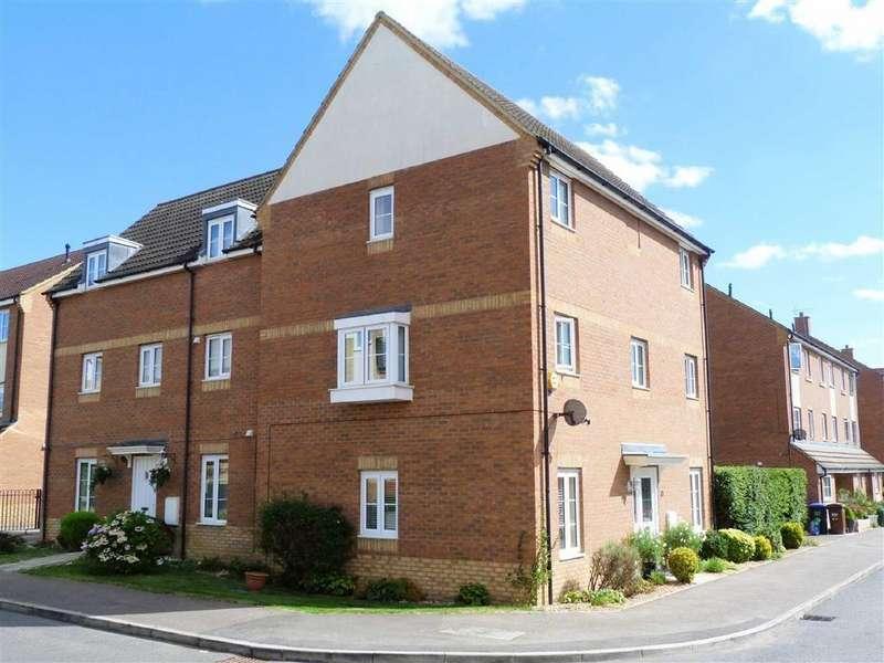 4 Bedrooms Semi Detached House for sale in Eddington Crescent, Welwyn Garden City