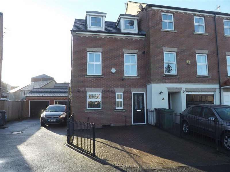 3 Bedrooms Town House for sale in Shallow Valley Court, Accrington
