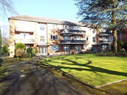 2 Bedrooms Flat for sale in 25 Portarlington Road, Bournemouth, Dorset