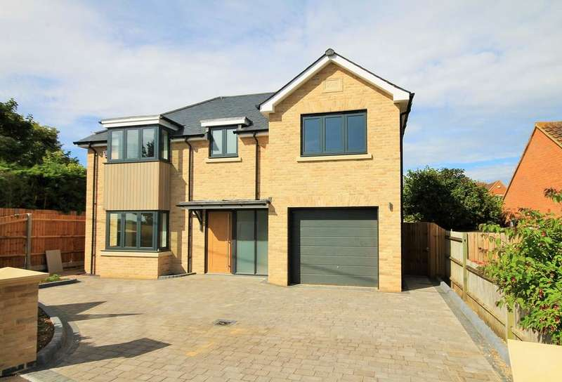 4 Bedrooms Detached House for sale in Station Road, STEEPLE MORDEN, SG8