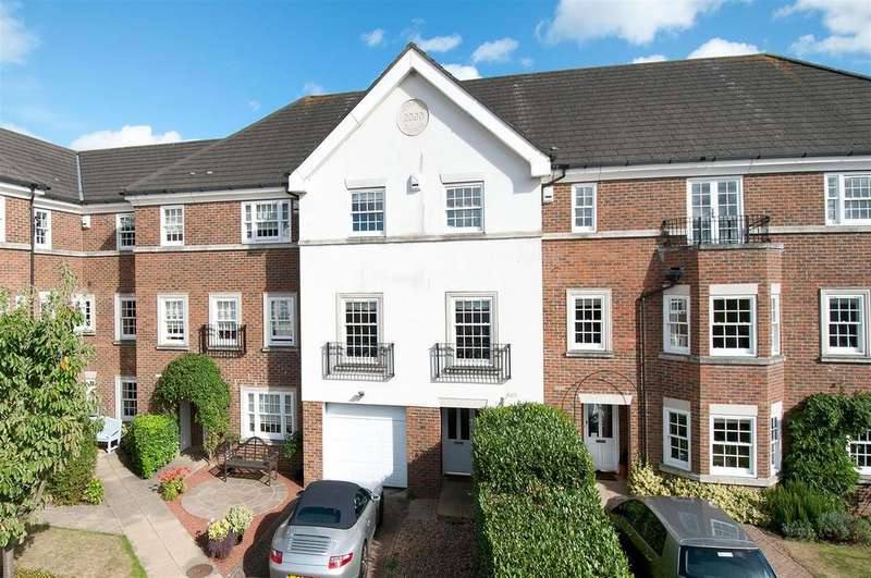 4 Bedrooms Terraced House for sale in Cleeve Court, Kings Hill, ME19 4LP
