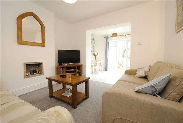 1 Bedroom Flat for sale in Fitzroy Street, Totterdown, Bristol, BS4 3BY