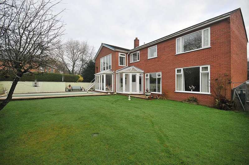 4 Bedrooms Detached House for sale in West Road, Weaverham