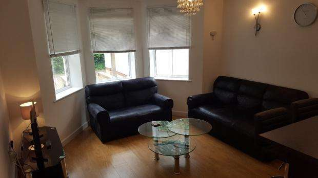 2 Bedrooms Apartment Flat for rent in 28a Manor Road, Bournemouth, BH1