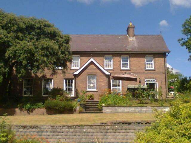 6 Bedrooms Detached House for sale in Whitland Abbey Road, Whitland, Nr St Clears, SA34