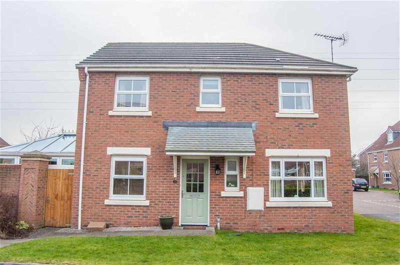 3 Bedrooms Semi Detached House for sale in Maes Pinwydd, Ewloe, Flintshire, Deeside, Flintshire