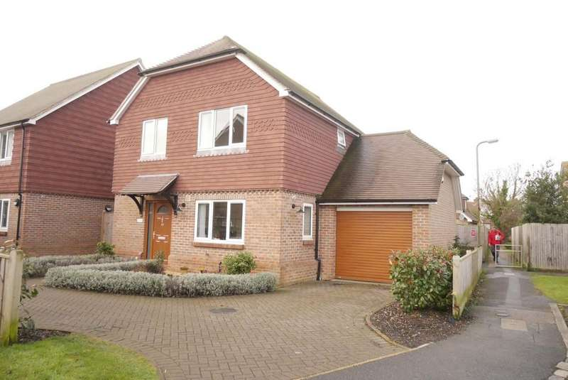 3 Bedrooms Detached House for sale in Oxendean Gardens, Lower Willingdon, Eastbourne, BN22