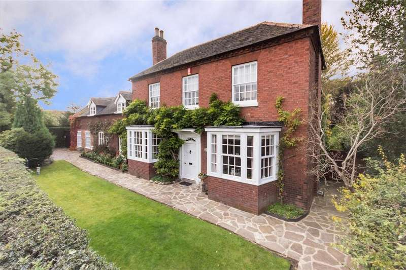 3 Bedrooms Detached House for sale in Burton Old Road, Streethay, Lichfield, Staffordshire