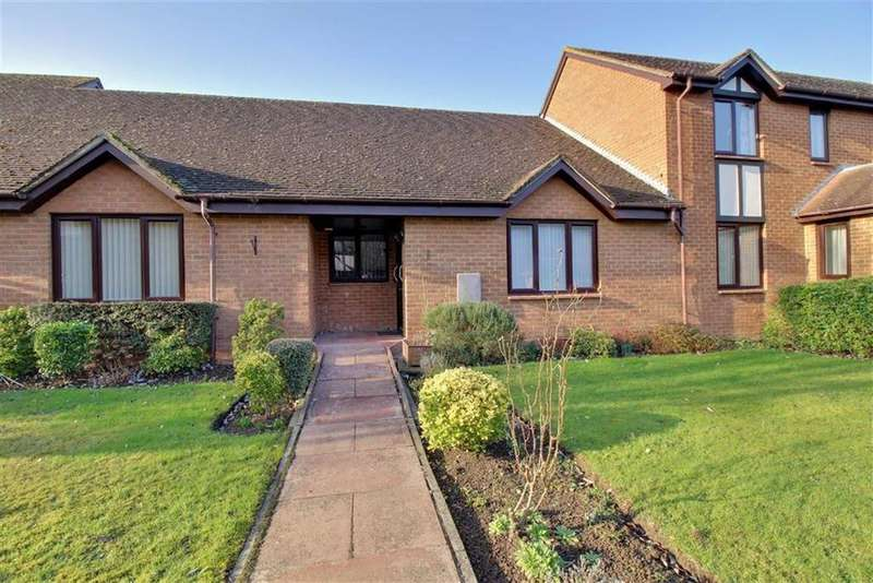 2 Bedrooms Bungalow for sale in Glebe Farm Court, Cheltenham, Gloucestershire