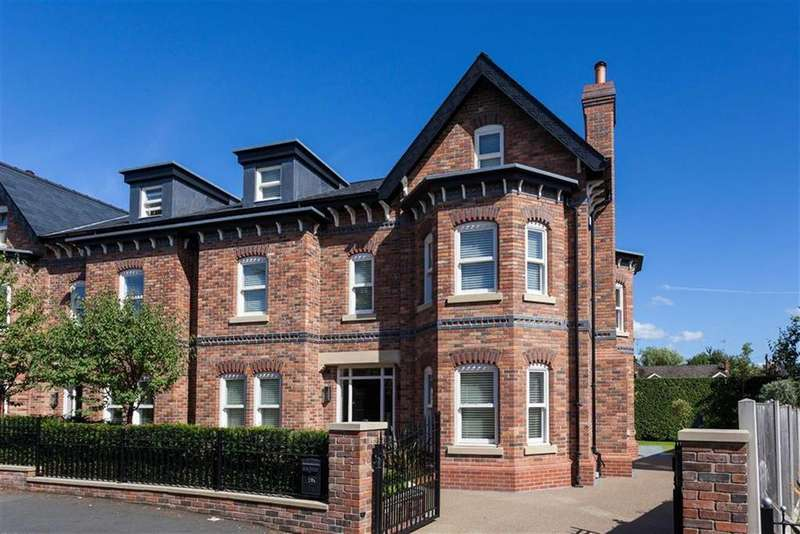 5 Bedrooms Semi Detached House for sale in Vicarage Lane, Bowdon, Cheshire, WA14