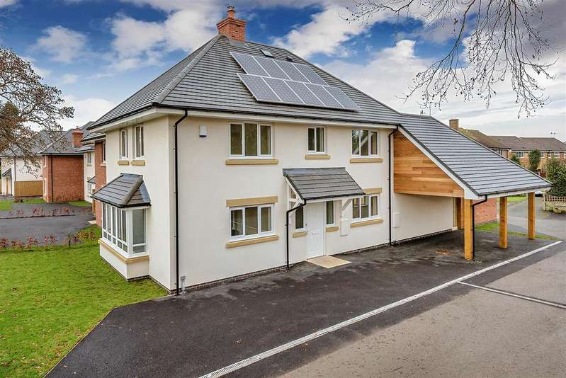 4 Bedrooms Detached House for sale in Morda Road, Oswestry