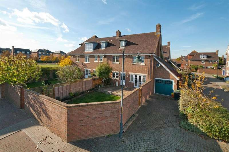 4 Bedrooms Semi Detached House for sale in Woodford Grove, Kings Hill, ME19 4BX