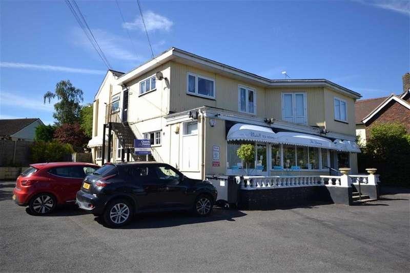2 Bedrooms Maisonette Flat for sale in Main Road, Danbury Chelmsford, Essex