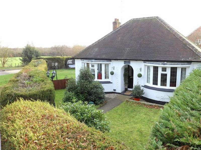 2 Bedrooms Bungalow for sale in Mill Lane, Danbury