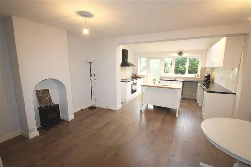 3 Bedrooms Town House for sale in 15, St Peters Road, Brackley