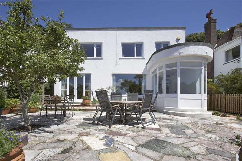 3 Bedrooms Detached House for sale in Park Hill Road, Torquay, TQ1