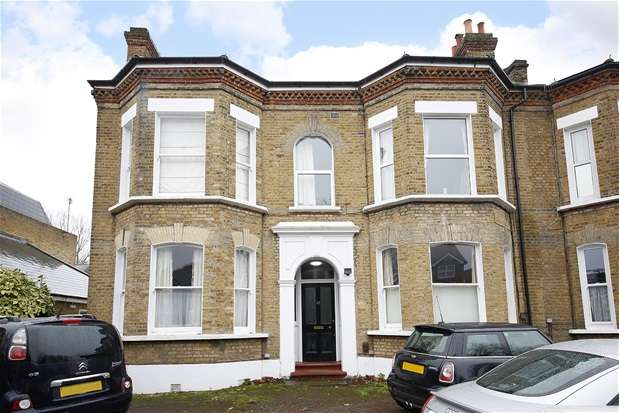 1 Bedroom Flat for sale in Chestnut Road, London