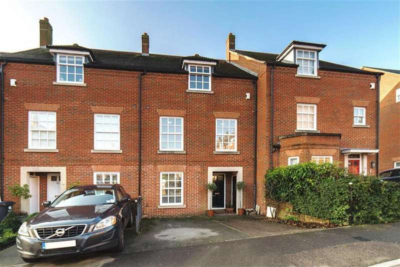 5 Bedrooms House for sale in Goldsmith Way, St Albans, Hertfordshire