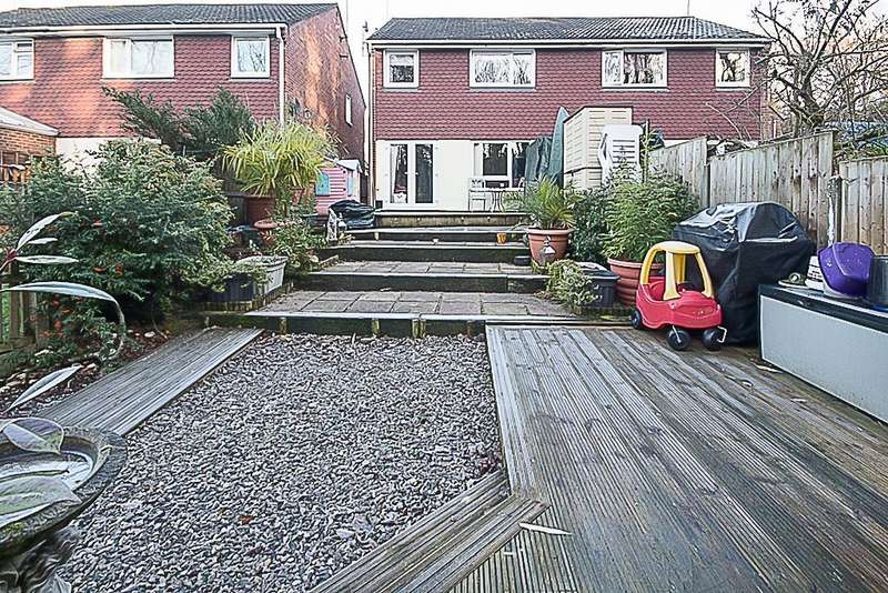 3 Bedrooms Semi Detached House for sale in Firsgrove Crescent, Warley, Brentwood