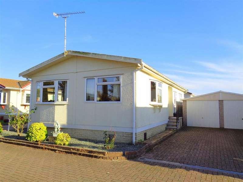 2 Bedrooms Detached Bungalow for sale in Frensham Avenue, Poplars Court