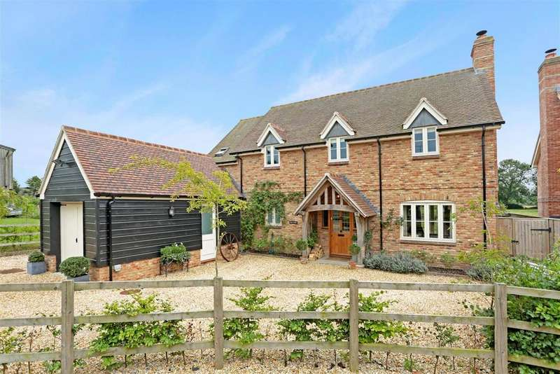 4 Bedrooms Detached House for sale in Milton Road, Pewsey