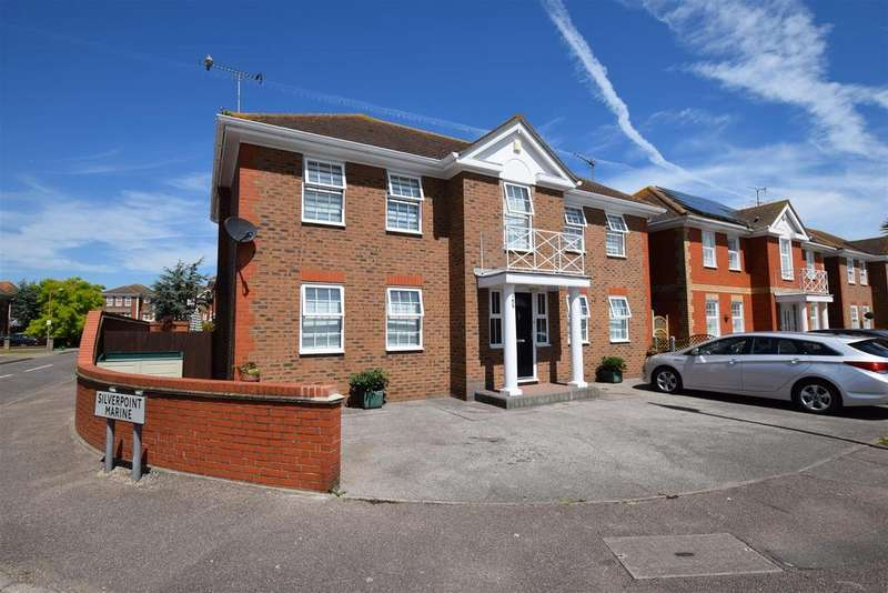 4 Bedrooms Detached House for sale in Point Road, Canvey Island
