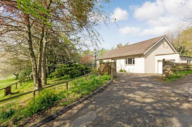 3 Bedrooms Detached Bungalow for sale in Neidpath Road, Peebles, EH45 8NN
