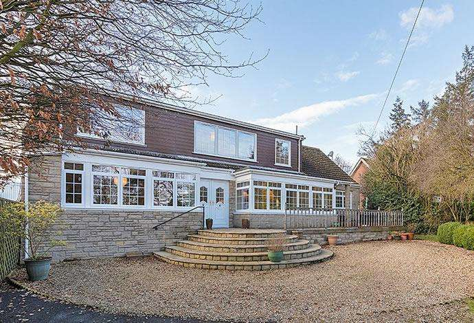 4 Bedrooms Detached House for sale in Bramblings Harryburn Road, Lauder, TD2 6PA