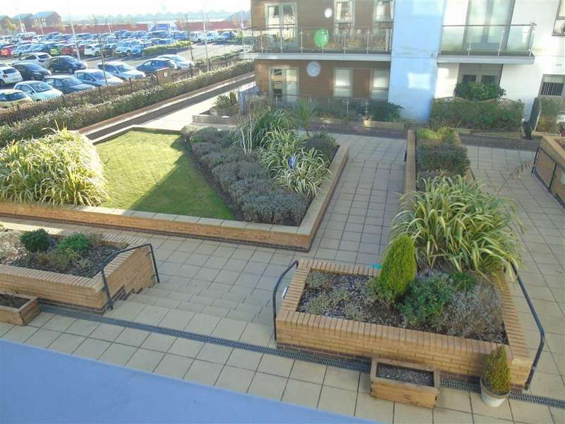2 Bedrooms Apartment Flat for sale in Mariners Court, Lamberts Road, Swansea