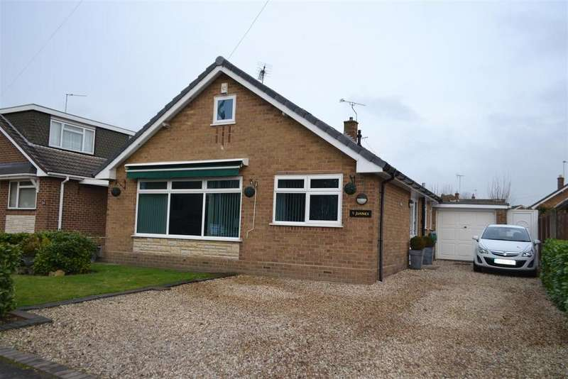 2 Bedrooms Detached Bungalow for sale in Wellington Drive, Cannock